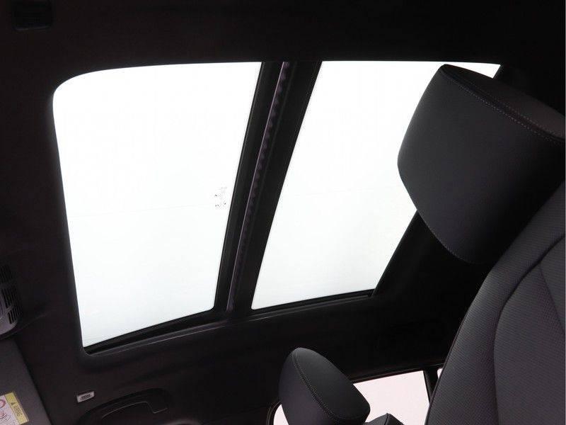 BMW X2 sDrive20i High Exe M-Sport afbeelding 19