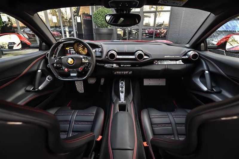 Ferrari 812 SUPERFAST LIFT+CARBON SEAT+PASS.DISPLAY+LED STUUR afbeelding 19