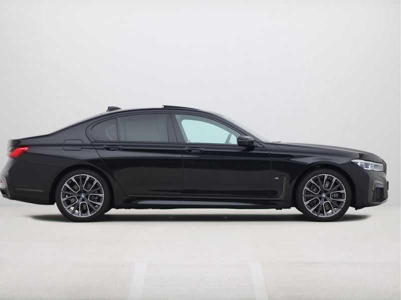 BMW 7 Serie 745e M Sport High Executive BEZICHTIGING OP AFSPRAAK afbeelding 10