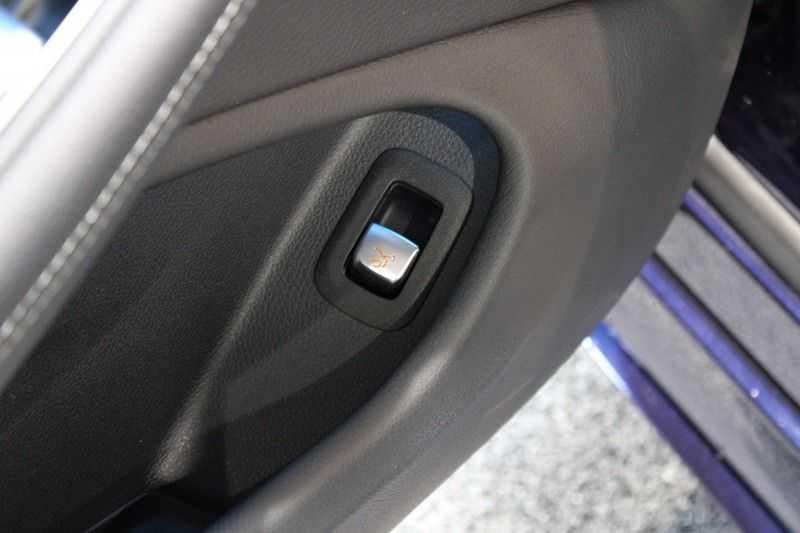 Mercedes-Benz C-Klasse Cabrio 180 Edition 1 AMG styling aut. afbeelding 13