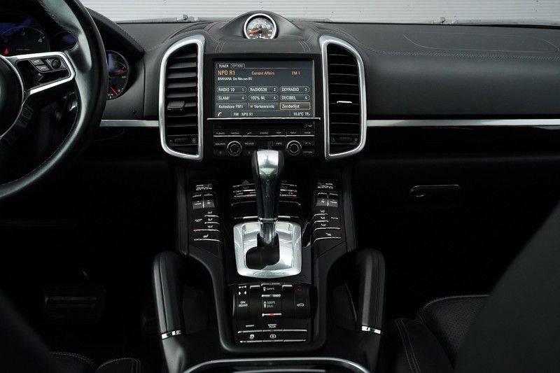 "Porsche Cayenne 3.0 D Facelift Luchtv. Pano Bose Sportchrono 21"" afbeelding 22"