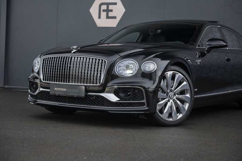 Bentley Flying Spur 6.0 W12 FIRST EDITION MY 2021 NAIM + Mulliner + Touring Spec + Head-Up + Bentley Rotating Display + Onyx Pearl / Beluga + Full Option + afbeelding 3