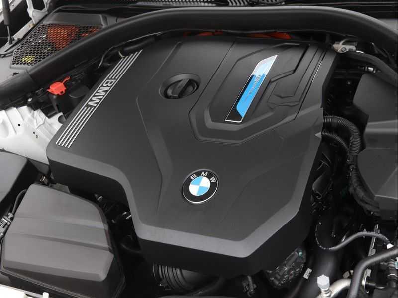 BMW 3 Serie Touring 330e xDrive Exe M-Sport Hybrid afbeelding 7