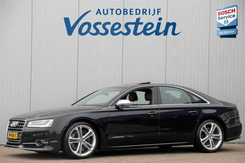 Audi S8 4.0 TFSI quattro Pro Line+ / B&O / Nightvision / Side- & Lane assist / Schuifdak / Head-Up afbeelding 1