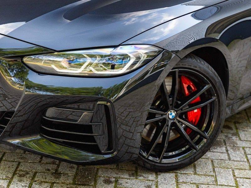 BMW 4 Serie Coupé M440i xDrive - High Executive - M-Remmen - Harman Kardon - Driving Ass Prof afbeelding 7