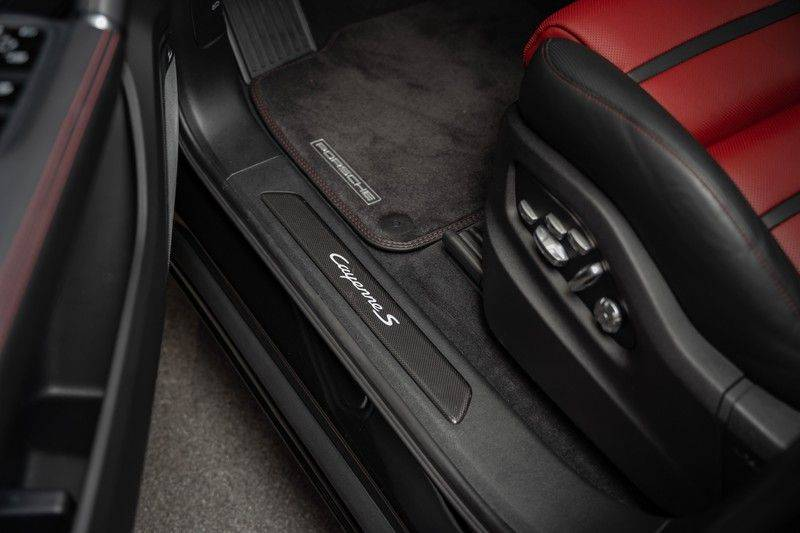Porsche Cayenne S Coupé Burmester Luchtvering Sport Design Hoogglans Burmester Luchtvering Sport Design Hoogglans afbeelding 11
