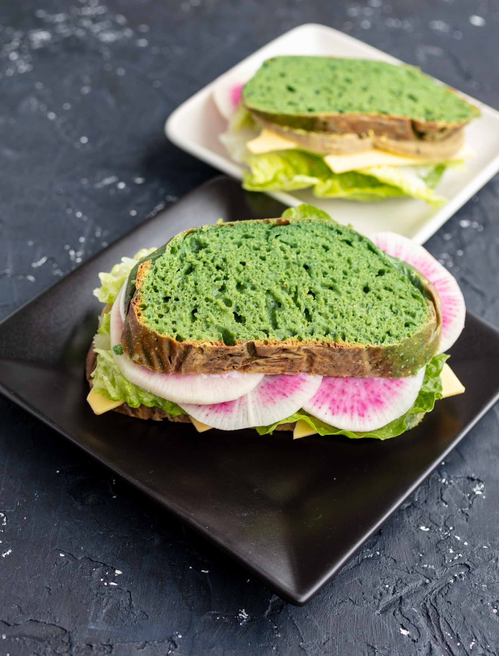 vegan sandwich made with naturally colored green bread