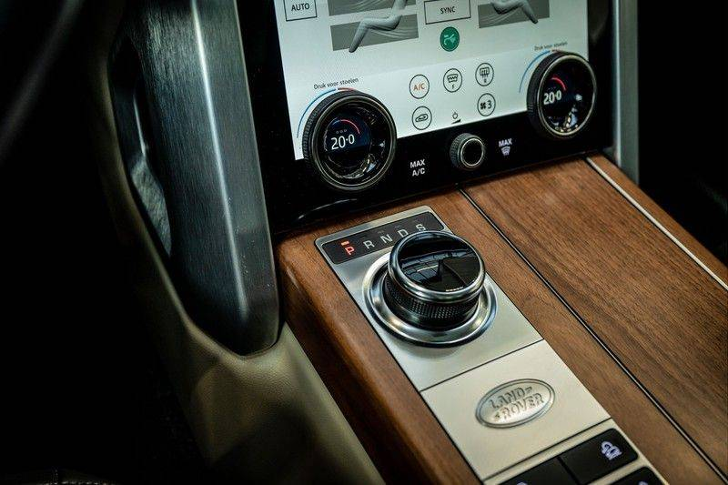 Land Rover Range Rover 4.4 SDV8 Black Pack | Panorama | Head-up Display | Trekhaak | Ambient lighting afbeelding 20