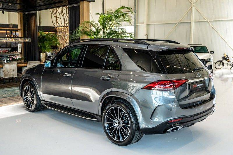 Mercedes-Benz GLE 450 4MATIC AMG   Panorama   Head-up Display   Memory   Burmester   Luchtvering   NP €140.000 afbeelding 8