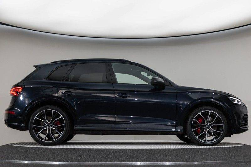 "Audi SQ5 3.0 TDI 347pk Quattro Black Edition Panoramadak Luchtvering Valconaleder B&O Keyless ACC Navi-High Matrix Camera 21""Performance Pdc Verlengde fabrieksgarantie afbeelding 12"