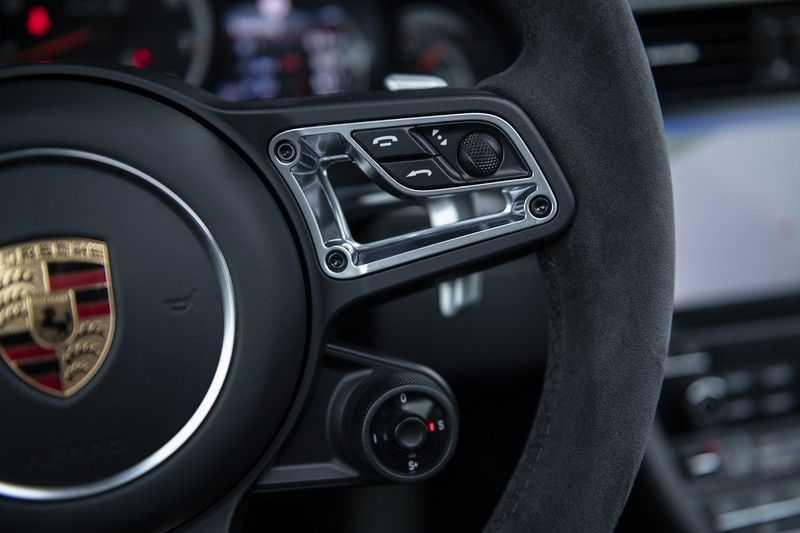 Porsche 911 Turbo S 991.2 3.8 Carbon seats + Keramisch + 4-wiel best. + NP € 331.000,- + Dak + Carbon + Bose + Carplay + ACC afbeelding 24