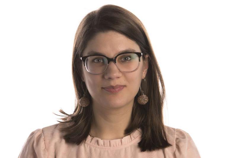Photo of Sara Simon