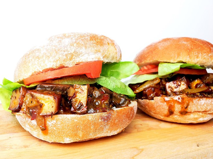 Jamaican Jerk Tofu sandwich