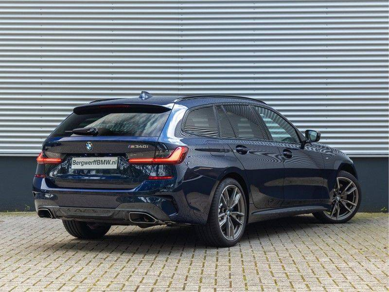 BMW 3 Serie Touring M340i xDrive Individual - Head-up - ACC - Harman Kardon - Panorama afbeelding 2