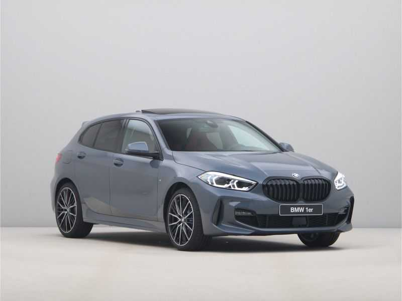 BMW 1 Serie 118i 5rds High Exe M-Sport Aut. afbeelding 13