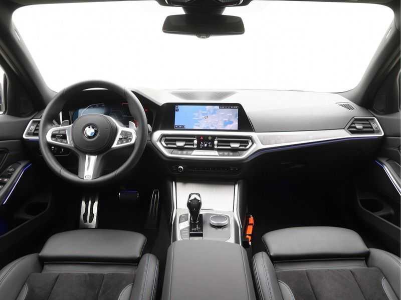 BMW 3 Serie 320i Exe M-Sport Aut. afbeelding 19
