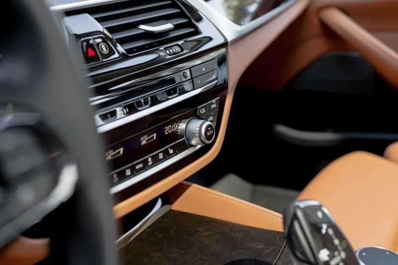 BMW 5 Serie 530d xDrive Luxury Line NW â¬100.000,- afbeelding 12