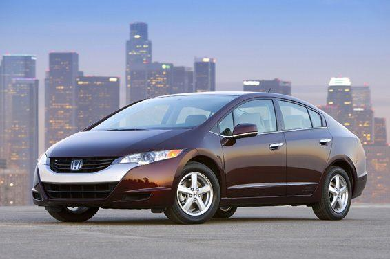 A marketing image of the Honda FCX Clarity from a Honda press release