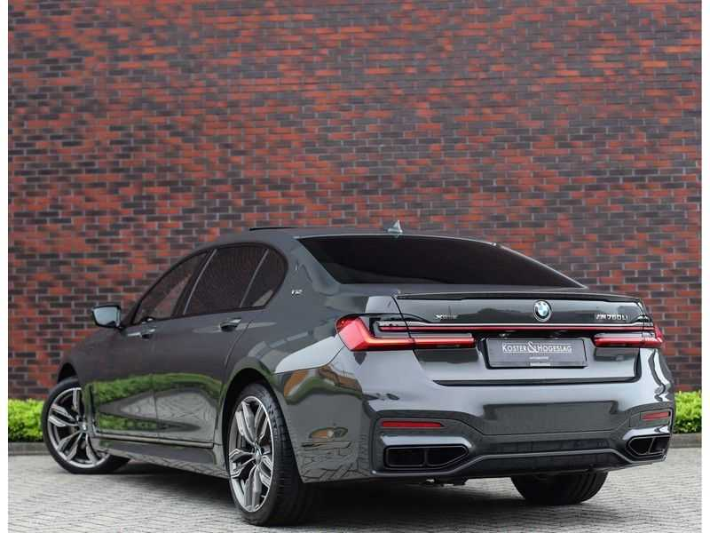 BMW 7 Serie M760Li xDrive *Dravit grey*Executive seats*Sky Lounge*Full option* afbeelding 2