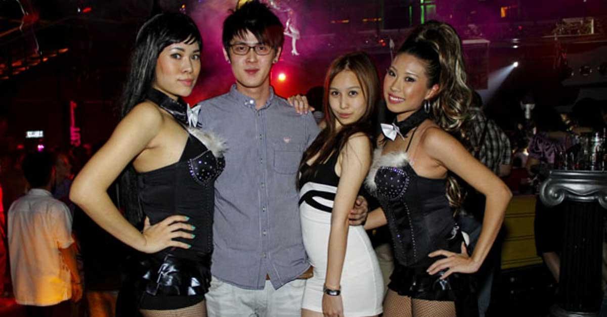 Party Bersama Wanita Malam Setiap Hari