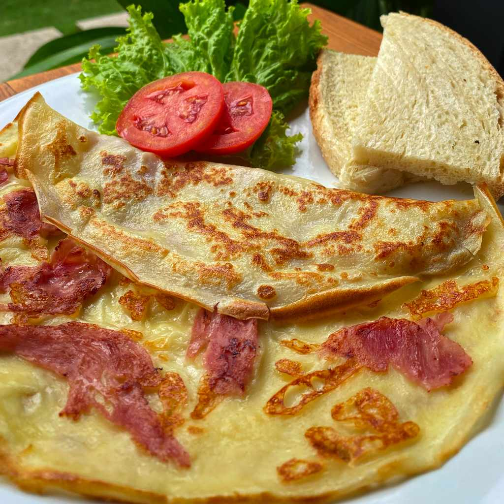 breakfast: crepes ham & cheese