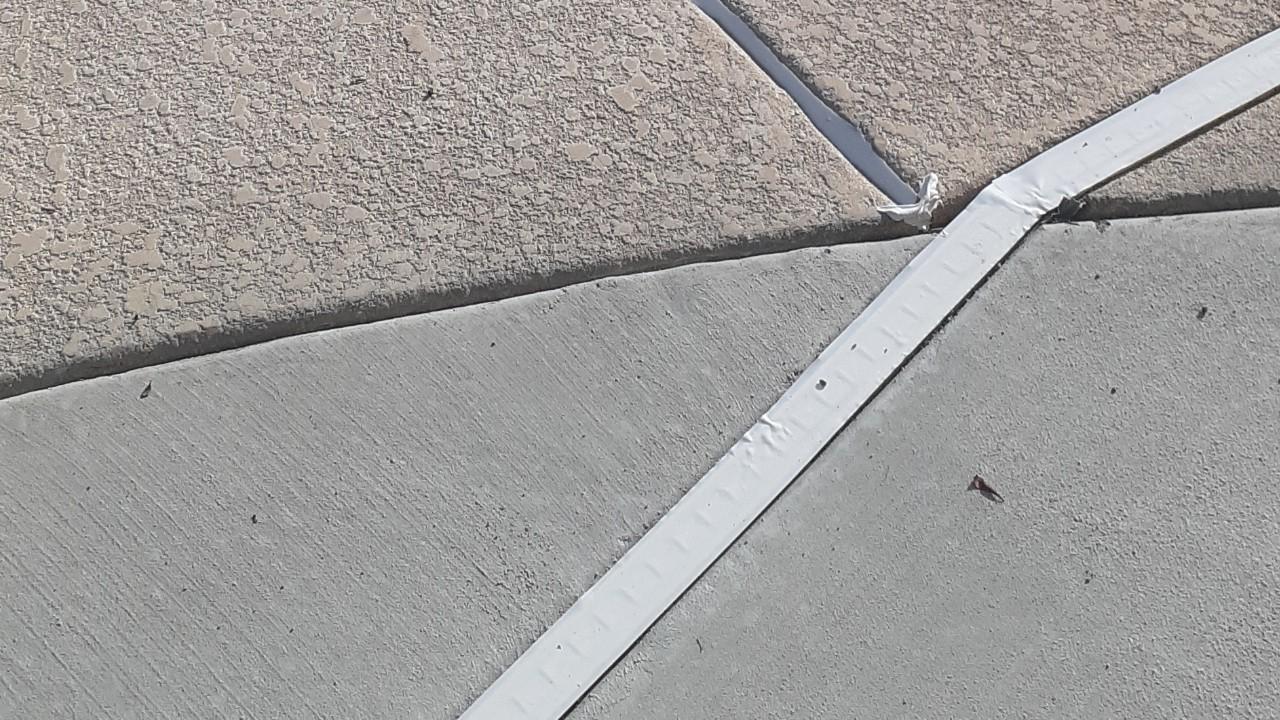 concrete-pool-deck-restoration-2--fixing-04