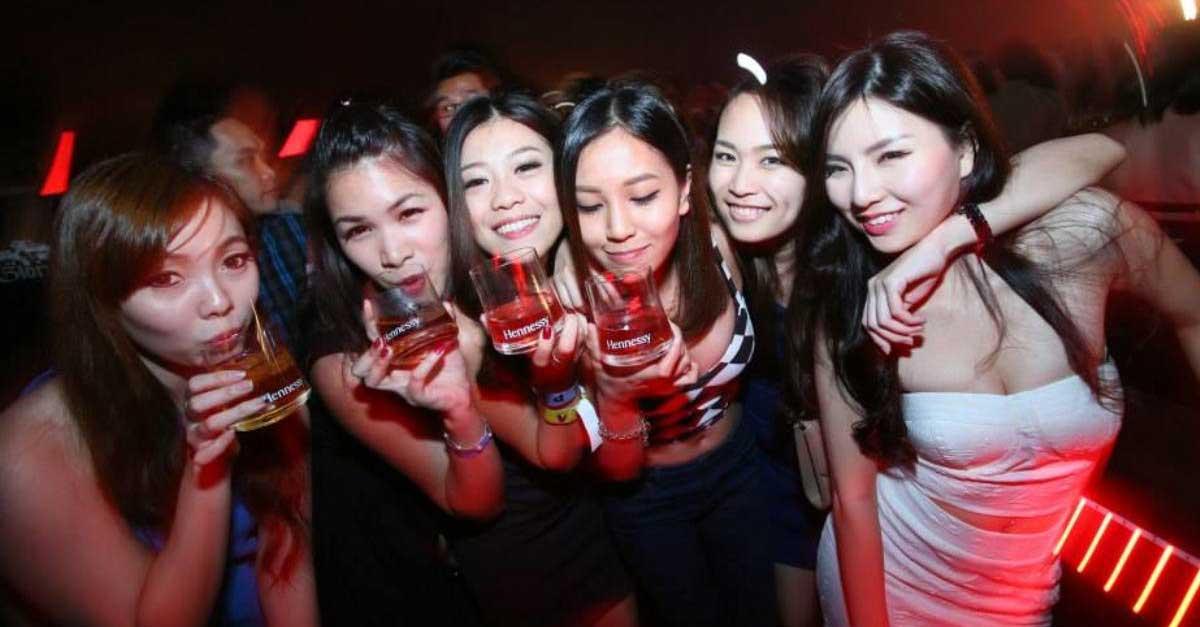 5 Keindahan Hiburan Malam Di Surabaya