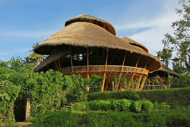 Green School Bali - Architectural wonder to educate for sustainability.