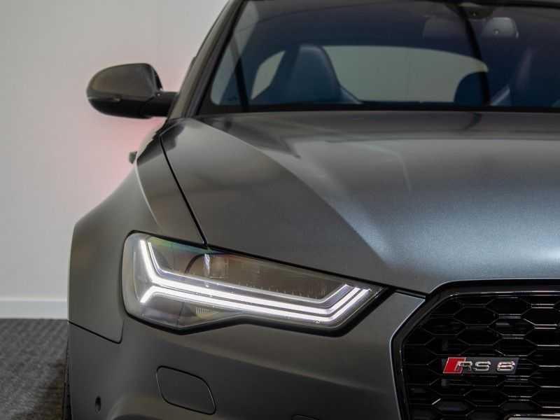 Audi A6 Avant 4.0 TFSI RS6 quattro perfomance | Dynamiekpakket plus | Carbon Optiek | B&O advanced | RS-sportuitlaat | DAB+ | Head-up display | Alcantara Hemel | Pano dak | Nachtzicht | afbeelding 2