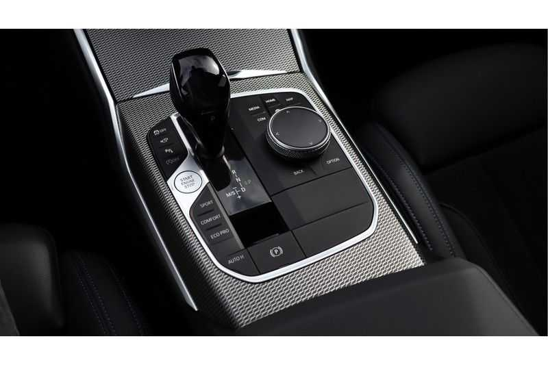 BMW 3 Serie Touring 330i Executive M Sport Driving Assistant Plus, HiFi, Comfort Access afbeelding 4