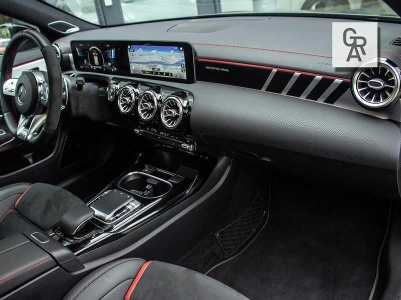 Mercedes-Benz CLA35 AMG klasse CLA35 AMG 4MATIC Premium Plus afbeelding 8