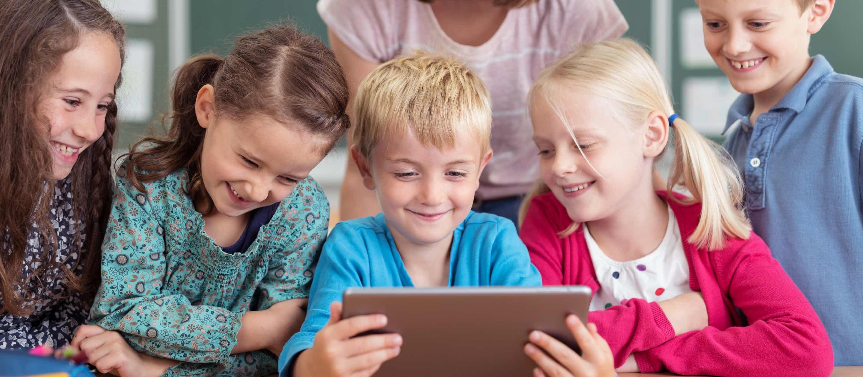 Crianças mais felizes e inteligentes
