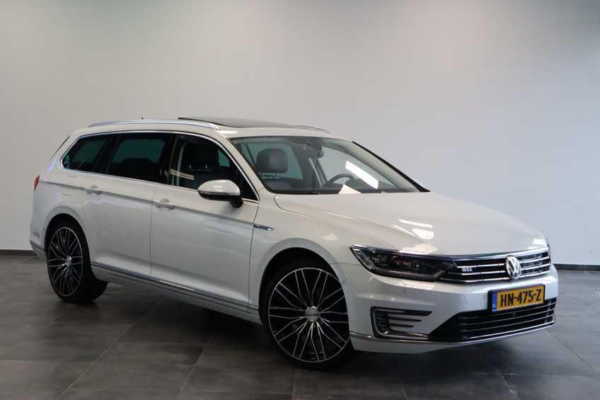 "Volkswagen Passat Variant 1.4 TSI GTE Highline Ex BTW! AD Cruise LED Leder 360 Camera HUD 20""LM afbeelding 1"