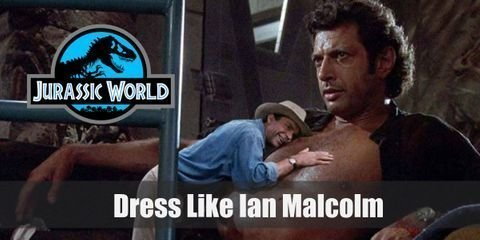 To match his personality of being quite cocky, Ian Malcolm outfit turns out to be really fashionable and without caring about his surroundings
