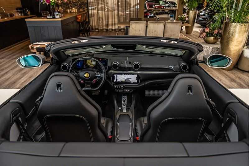 Ferrari Portofino 3.9 V8 HELE | Carbon | Alcantara | Homelink | Camera | afbeelding 19
