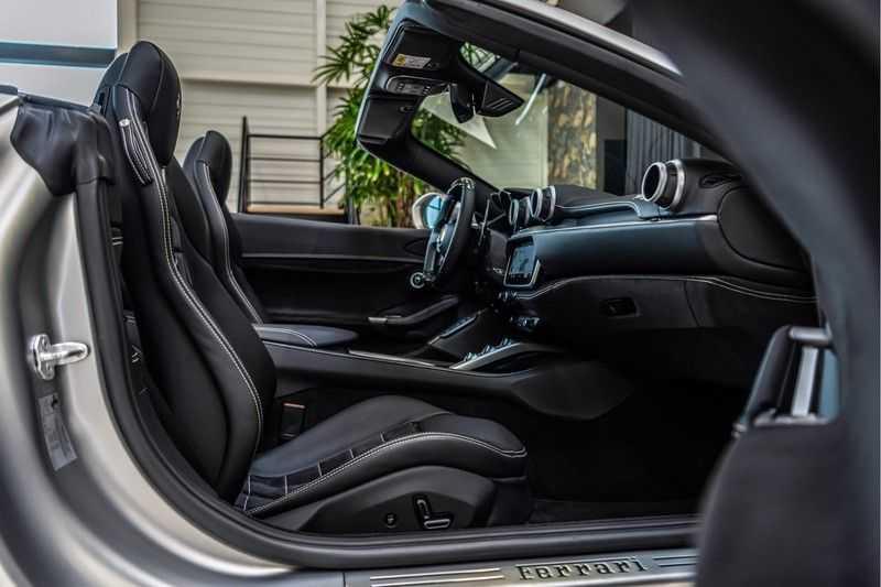 Ferrari Portofino 3.9 V8 HELE | Carbon | Alcantara | Homelink | Camera | afbeelding 23