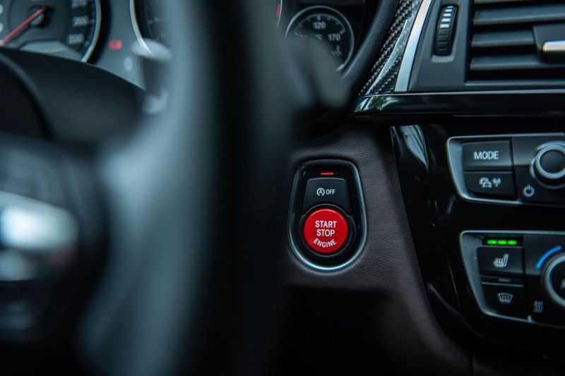 BMW 3 Serie M3 Competition DCTA, 450 PK, Facelift, Akrapovic, Harman/Kardon, Head/Up, LED, Surround View, Carbon, 2017, Org. NL!! afbeelding 19