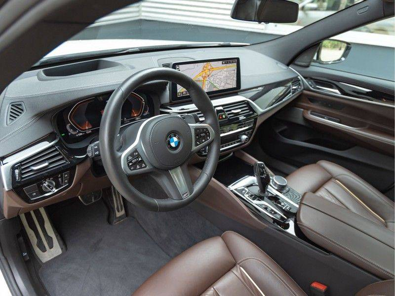 BMW 6 Serie Gran Turismo 630i High Executive - M-Sport - Luchtvering - Facelift - Panorama afbeelding 12