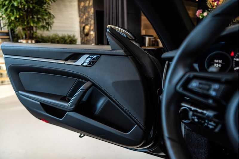 Porsche 911 Cabrio 3.0 Carrera S |Sport Chrono | Sportuitlaat | PDLS | GT-sportstuurwiel | Entry & Drive afbeelding 19