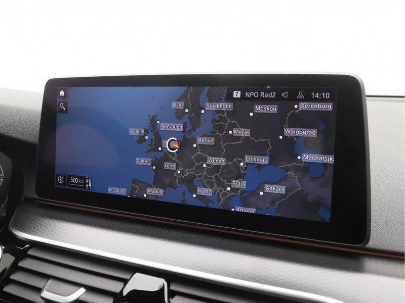 BMW 5 Serie Sedan 520i High Executive M-Sport Automaat afbeelding 18