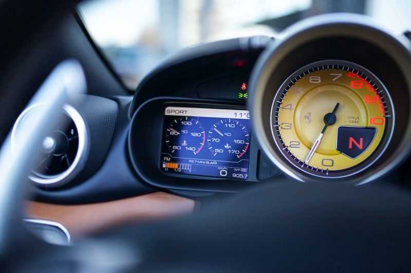 """Ferrari California 3.9 T HELE *Rosso California / Regelb. Sportuitlaat / 20"""" / 2-Tone* afbeelding 6"""