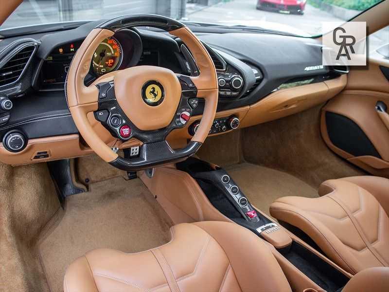 Ferrari 488 3.9 GTB HELE afbeelding 7