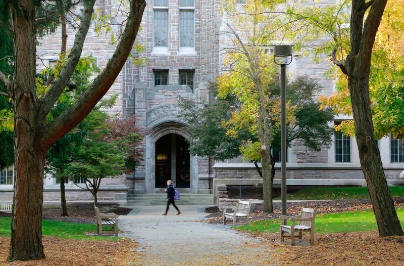 Students walking in front of Jordan Hall at Butler University