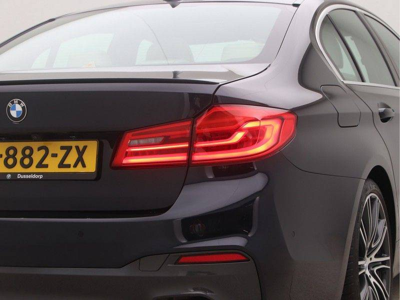 BMW 5 Serie Sedan 540i High Executive M-Sport Automaat afbeelding 23