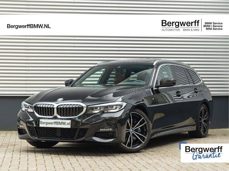 BMW 3 Serie Touring 330i M-Sport - Individual - Memoryzetel - Panorama - Trekhaak afbeelding 1