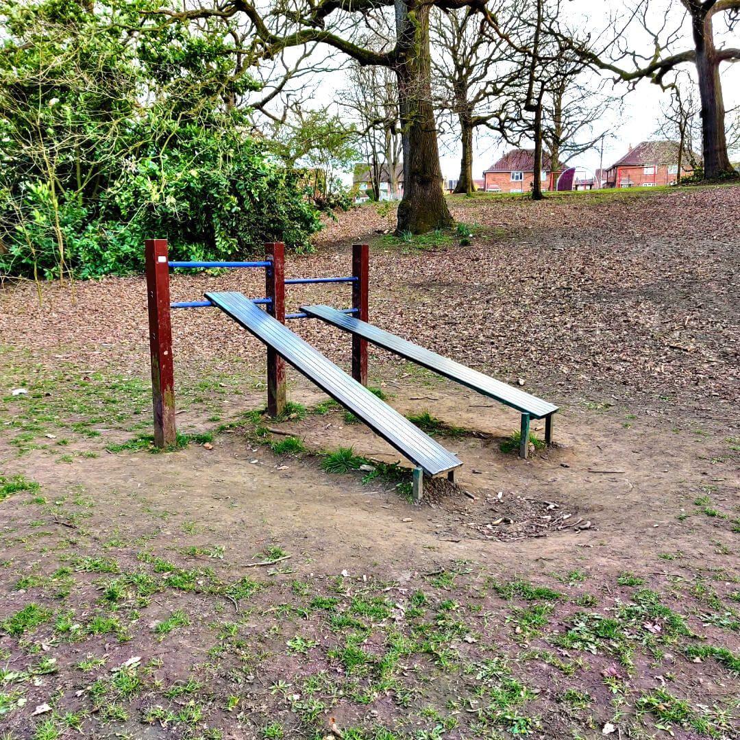 Bramley Fall Park Gym Sit Up Bench