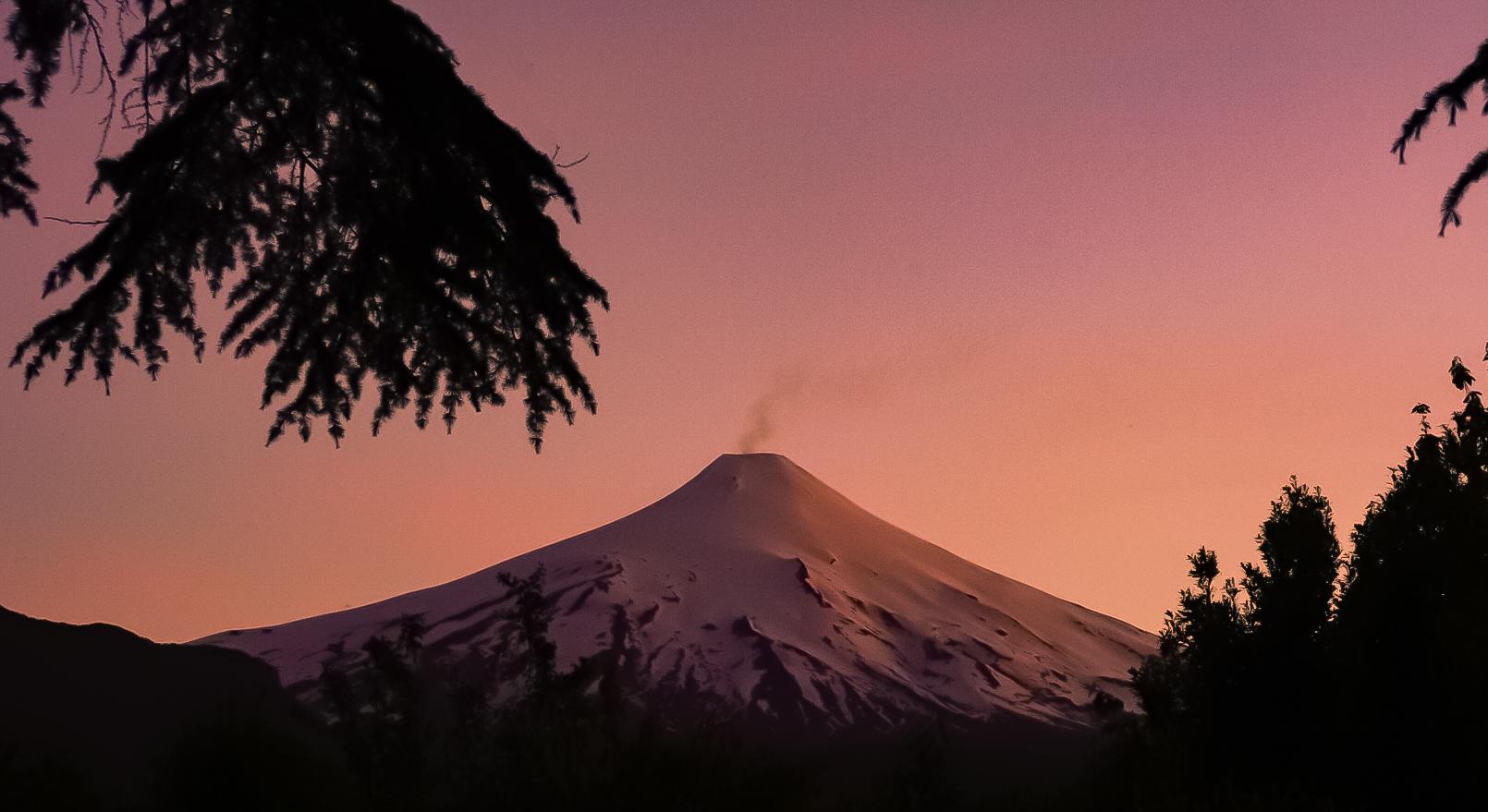 Um vulcão num fim de tarde
