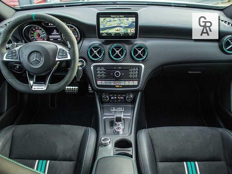 Mercedes-Benz A-Klasse 45 AMG 4MATIC afbeelding 8