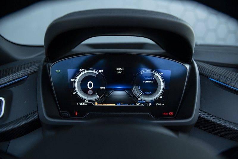 BMW i8 Roadster Dry Carbon, Carbon interieur afwerking, Accaro fijn nappa leder, Progressive package , Laser LED Koplampen afbeelding 21