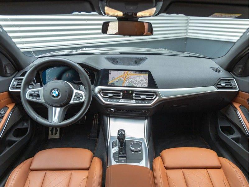 BMW 3 Serie Touring 330i M-Sport - Individual - Memoryzetel - Panorama - Trekhaak afbeelding 13